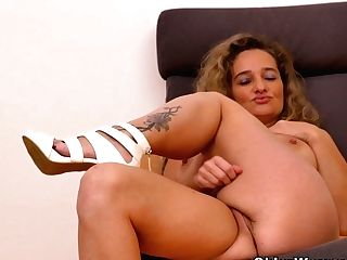 Hot Cougar Paege From Europe Strips Off And Plays