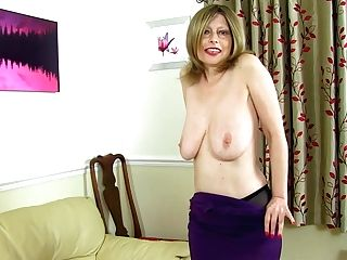 Brit And Big-boobed Mummy Posh Sophia Caresses Her Fanny