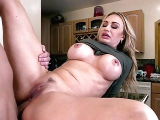 Hot Mom Claudia Valentine Amazing Fuck-fest Clip