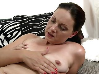 Matures Sexy Mommy Gets Taboo Lovemaking From Son-in-law
