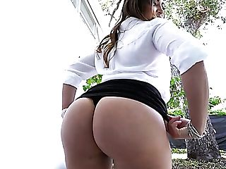 Cuban Big Bottomed Sexpot Julianna Vega Is So Glad To Be Poked Rear End
