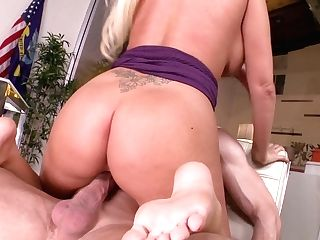 Promiscuous Big-titted Blonde Lady Rachel Roxxx Gives A Footjob To Her Chief