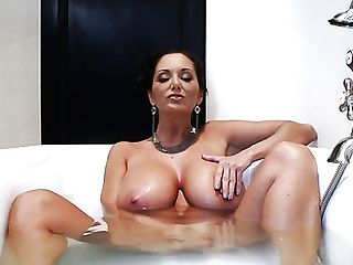 Dark Haired Jordi El Nio Polla With Big Tits Is In The Mood For Muff Diving And Does It With Girl/girl Ava Addams