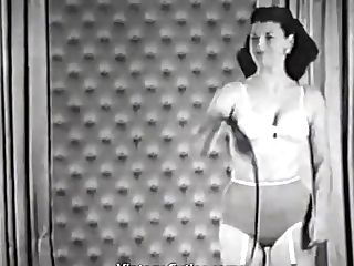 Hot Lady Loves To Rule (1950s Antique)