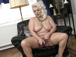 Old Sexy Gilf With Very Greedy Vagina