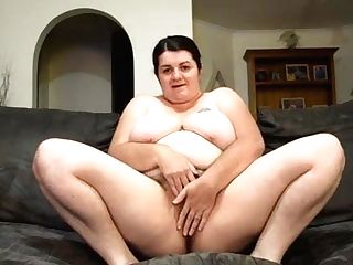 Chubby Matures Spreads Coochie