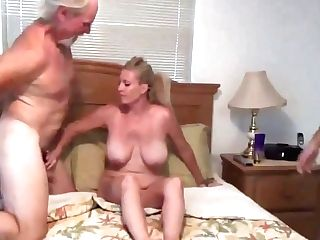 Practice Having Fuckfest With Mom