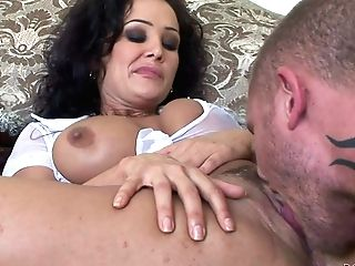 Dark Haired Mummy Lisa Ann With Flawless Large Tits Takes