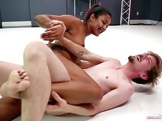 Solo Gets Trapped In Daisy Ducati's Powerful Gam Scissor