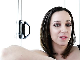 Smiling Bright Black Head Jada Stevens Gonna Tell About Her Porno Career