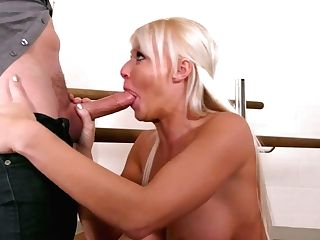 Suntanned Buxom Dancer London Sea Is Glad To Suck Delicious Prick