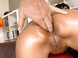 Black Haired Sexy Yoha With Hairless Poon Gets Her Asshole