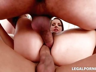Jolee Love Is Having Group Lovemaking In The Middle Of The Day And Liking It A Lot