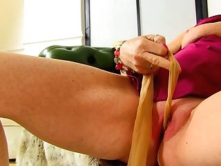 English Granny Voluptuous Caroline Plays With Her Old Fanny