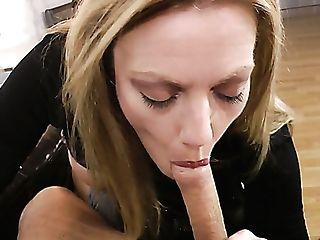 Holly Smooch Shows Her Booty Before Taunting Man With A Nice Head